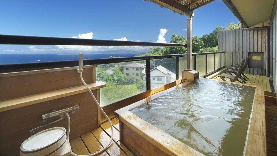【本館 雲海】2階からの上空から見る景色は絶景です。個室露天風呂