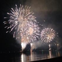 これぞ夏の風物詩!日本海に打ちあがる花火♪