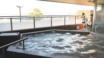 日本の夕陽百選に選ばれた日本海・菊ヶ浜の絶景を、露天風呂からご堪能いただけます♪