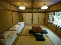 10畳和室(バス・トイレ・洗面付)