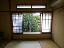 10畳和室(バス・トイレ共用)