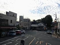 駅前ロータリーとホテルDew大山崎