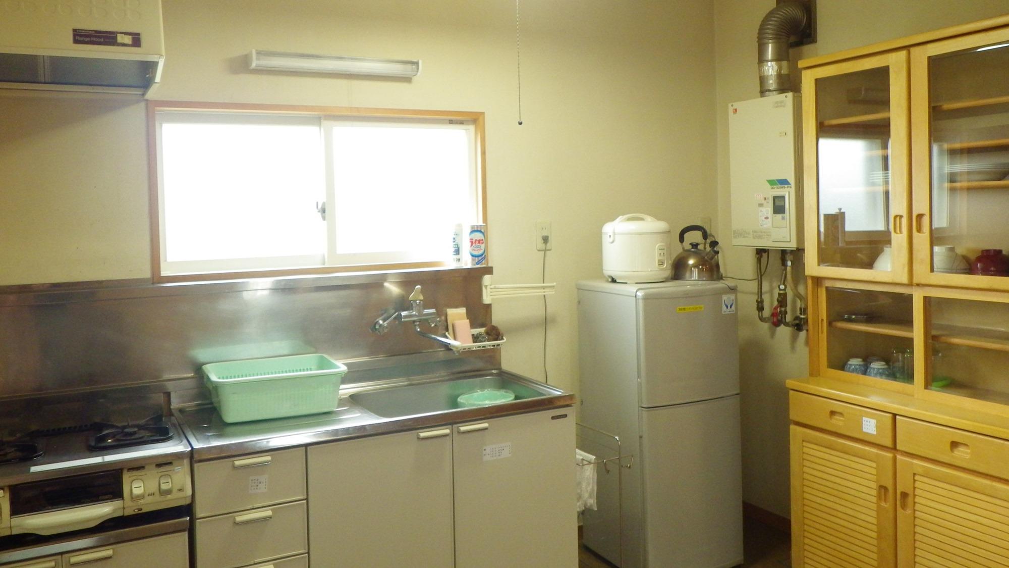 *コテージ4人棟一例/気軽な滞在に便利なミニキッチン付き。