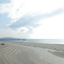 *周辺観光/県内でもきれいな海水浴場として知られる宮沢海岸徒歩10分!