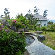 *夕陽温泉WAO/男女別の露天風呂も完備!石畳を歩いて・・・