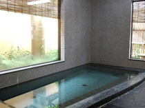 男女別の浴場の一例。