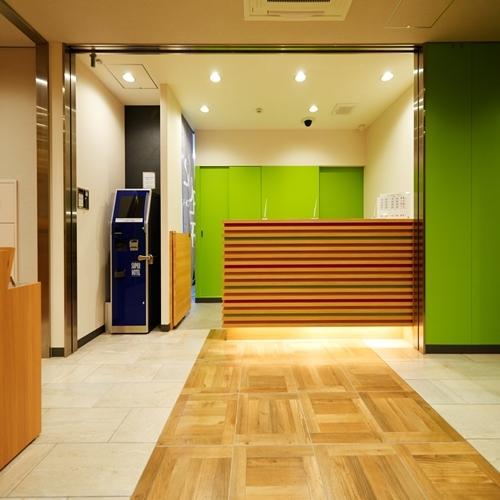 フロント(3)【スーパーホテル新宿歌舞伎町】