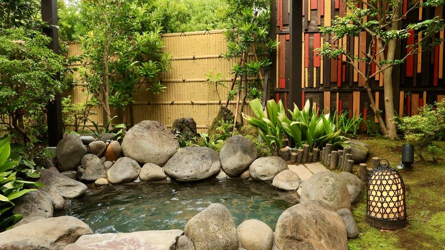 梢 庭園風呂