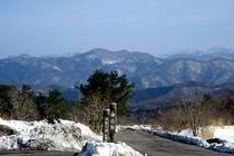 東の原から中国山地を見る