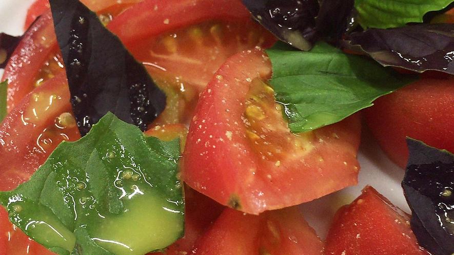 ・みずみずしいトマト