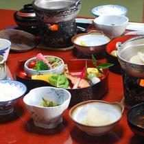 【朝食】お野菜中心のヘルシーな内容でご用意。