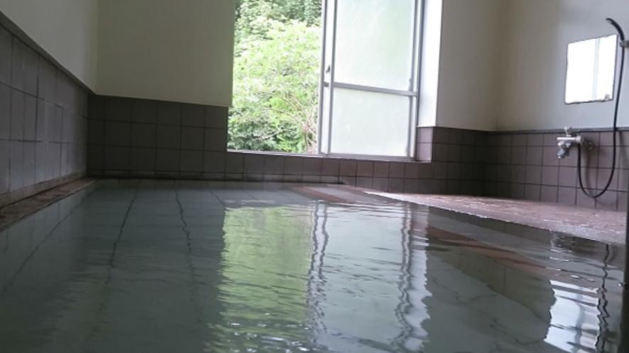 単純泉大浴場