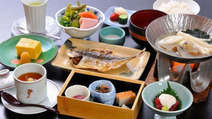 【ご夕食無し】イン21時まで!お部屋で食べる贅沢な朝ごはんで朝から元気いっぱい♪「1泊朝食付プラン」