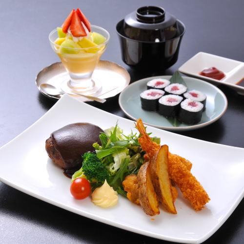 【お子様 夕食】ハンバーグやエビフライ、お寿司