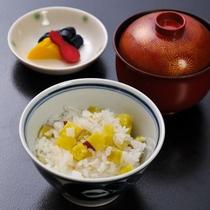 【香の物・留椀・お食事】盛合せ 赤出汁 丸十御飯