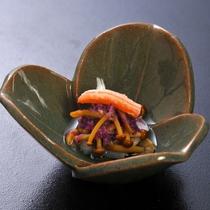 【酢の物】秋刀魚酢〆 蟹 もって菊 とら巻茸 土佐酢