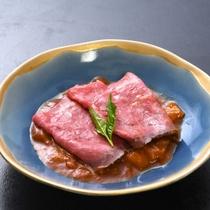 【強肴】 ローストビーフと夏野菜のデミグラスソース