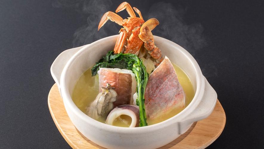 [ディナー例]季節の魚介をふんだんに使った魚介の洋風鍋