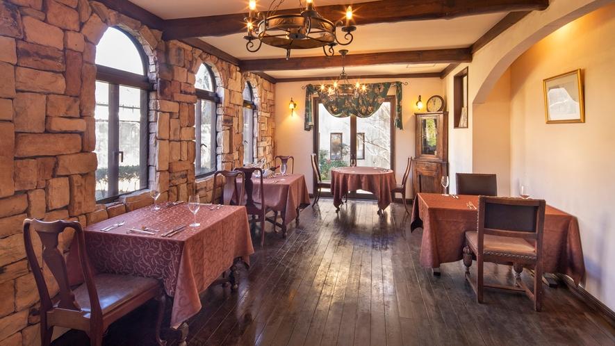 本館1Fのレストラン