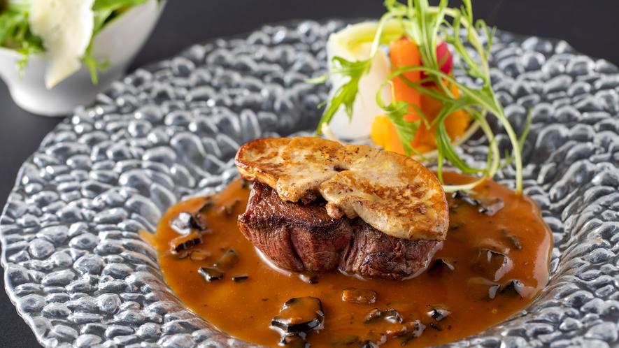 お肉だけでなく、地元のお野菜を中心とした新鮮なお野菜も主役です。
