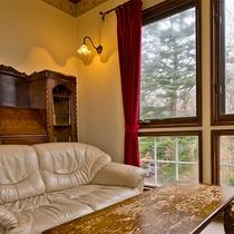 ◆301◆お二人だけのためのソファでワインでも飲みながら昼下がりからのんびり、ゆったり。