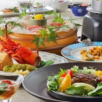 地元や伊豆近海で獲れた新鮮なお刺身の盛り合わせや魚料理にお肉もお楽しみいただけます。