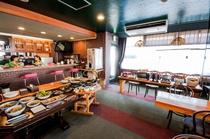 朝食バイキング・1階レストラン・フリードリンク機もございます。