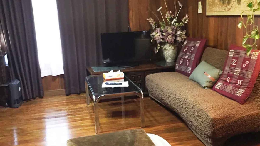 ・【スタンダードルーム】お部屋のソファースペース