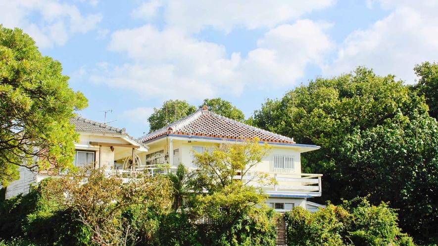 ・アメリカ統治時代の沖縄にタイムスリップしたような古民家ホテル