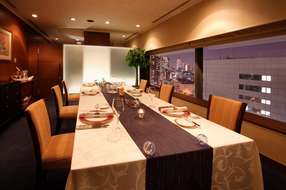 13階【レストラン ルミエール】