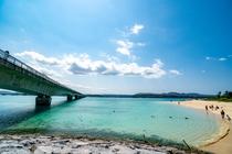 古宇利ビーチと古宇利大橋
