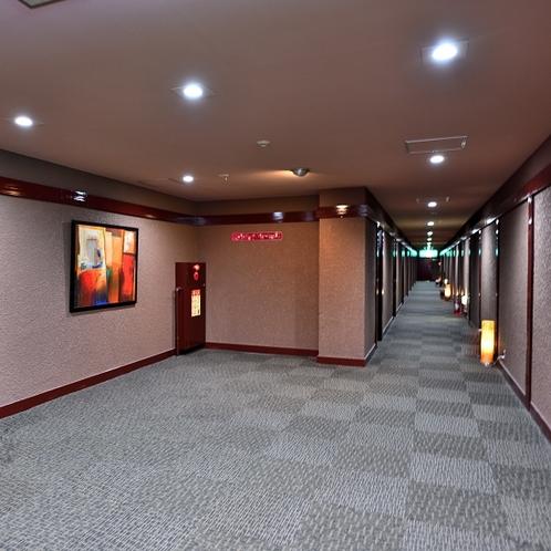 広いエレベーターホール