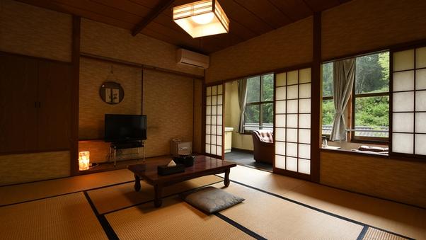 <本館和室>小川が見える昔ながらの懐かしいお部屋(10畳)
