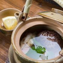 *【夕食一例】秋の味覚の王様「松茸」の土瓶蒸し