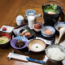 *【朝食一例】体に優しい栄養バランスの取れた手作り和朝食で1日をスタート