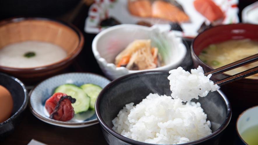 *【ごはん】お米は館主自家製の「こしひかり」。