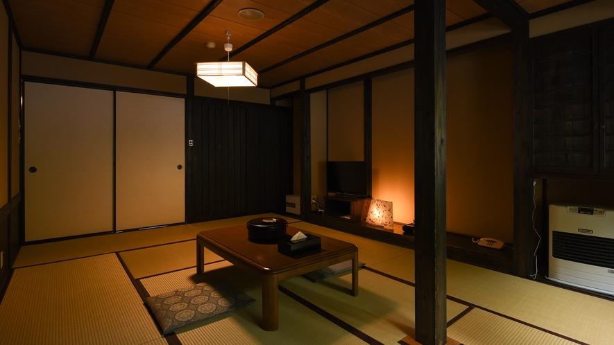 *【新館和室10畳】歴史ある木造建築を、モダンで落ち着いた雰囲気にリニューアルしました。
