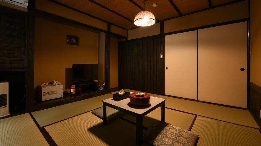 *【新館和室8畳】歴史ある木造建築を、モダンで落ち着いた雰囲気にリニューアルしました。