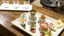 *【ご夕食一例】酒好きの館主が厳選した、三種類の日本酒呑み比べセット。
