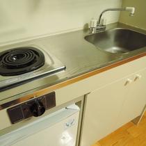 客室(和室)/本館2階の和室7.5畳。キッチンがついています。