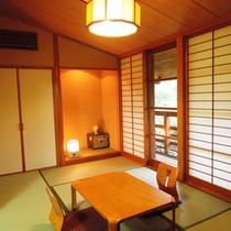 客室(和室)/本館2階の和室7.5畳。内風呂無しの1間です。