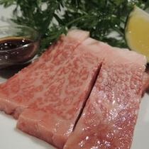 *口の中でとろける常陸牛のステーキをメインにしました!上質な霜降り肉ぜひご賞味くださいませ。