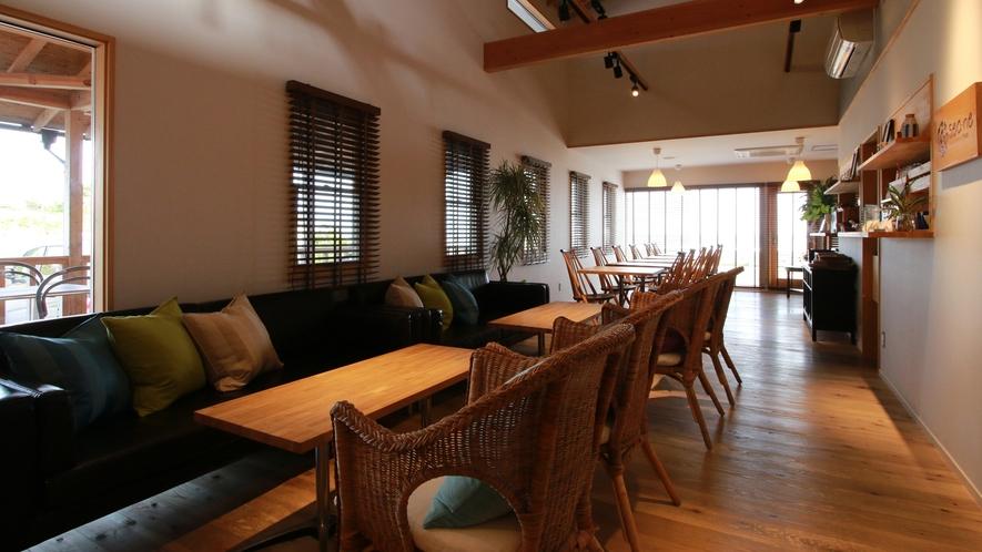 """【Cafe&Dining """"Sea-ne""""】海の音を楽しみながらお食事をお楽しめいただける空間。"""