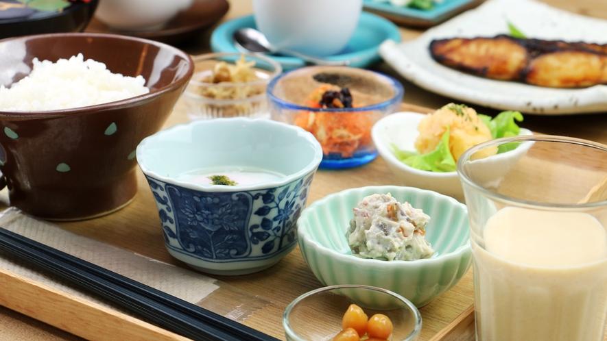 【About The Food/Morning】旬の素材を使った和食でさわやかな朝を。