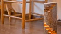 *客室一例/夜には足元の灯りが暖かい空間を演出します。