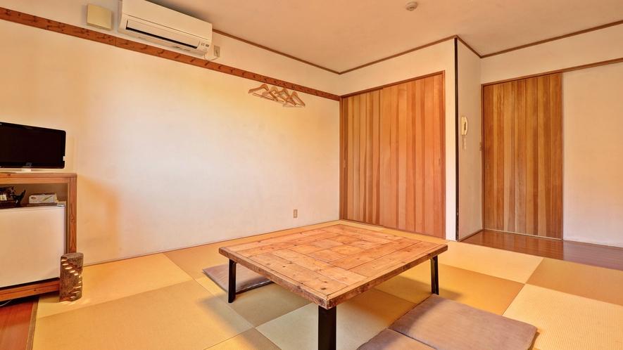 *客室(和室10畳)/畳の上でゆっくりとした時間をお過ごし下さい。