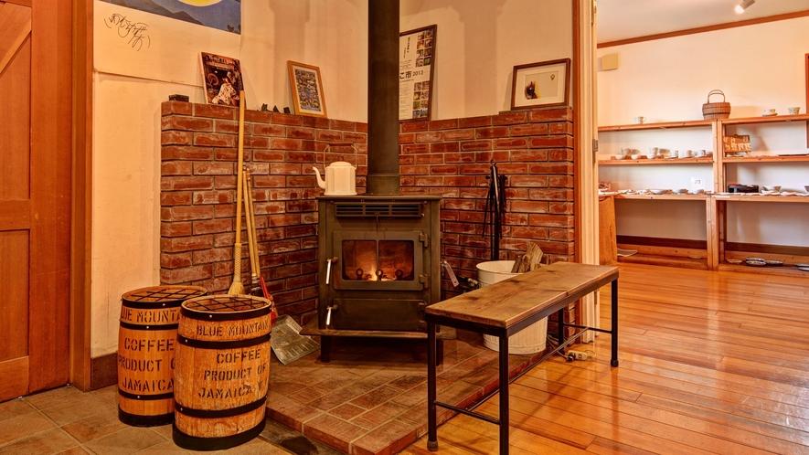 *ロビー・暖炉/眺めているだけで心暖まりまる空間です。