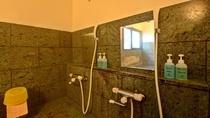 *貸切内風呂/ボディソープ・リンスーインシャンプーを完備しております。