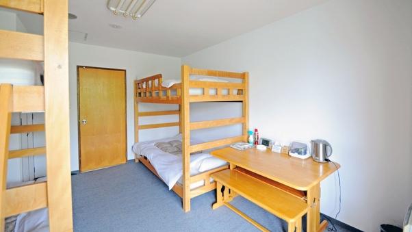 フォース二段ベッド(1名での宿泊可能)