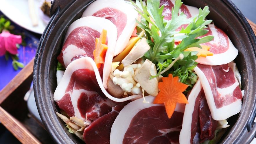 【猪鍋プラン】ボリュームたっぷりの味噌ベースの猪鍋とヘルシーな豆腐会席。どちらも味わえる美味しいプラ